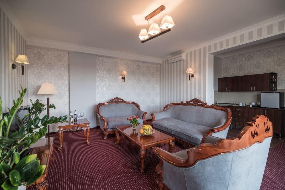 Sofa i fotele w apartamentach Jasek Premium